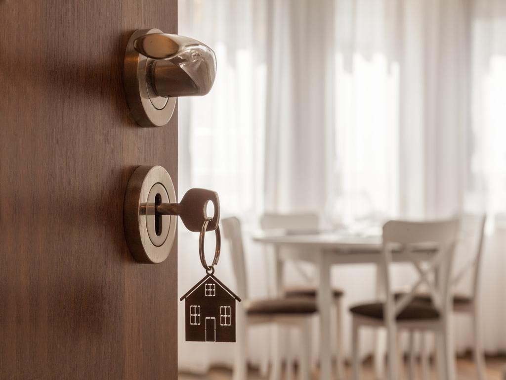Los 5 consejos para que no te entren a robar en casa durante las vacaciones